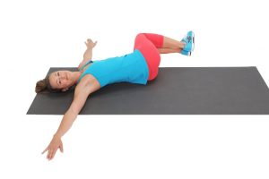 exercise to strengthen the muscles of the lower back, twisting, picture