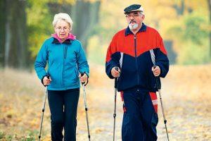 можно ли при остеопорозе заниматься скандинавской ходьбой, фото