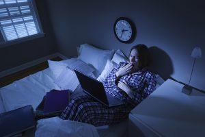 что делать если проснулся ночью и не можешь уснуть, фото