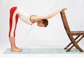 упражнения на осанку со стулом, картинка