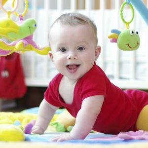 что должен уметь делать ребенок в 6 месяцев, картинка